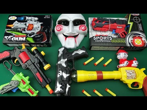 Plastic Military or Police Playsets Christmas Gift Bow /& Arrow toy Nunchaku