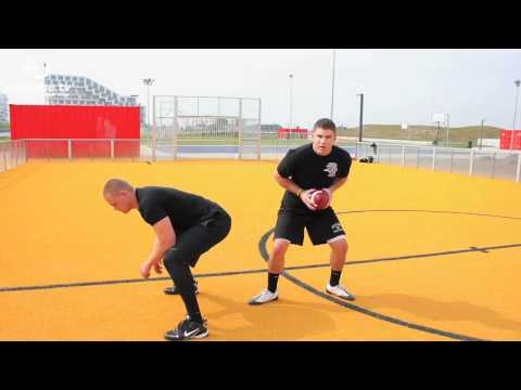 American football training: Basic quarterback drills (Part 1)