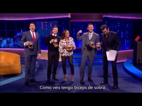 Luke Evans y Hugh Jackman cantan Gastón (Subtitulado)