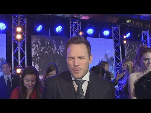 Chris Pratt's AMAZING dance moves at Guardians of the Galaxy 2 premiere