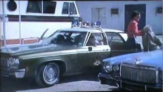 1976 Chrysler Cordoba Police car, 1972 Oldsmobile Delta 88 sedan Police car