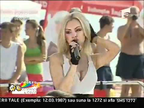 Alexandra Stan - Show me the way LIVE