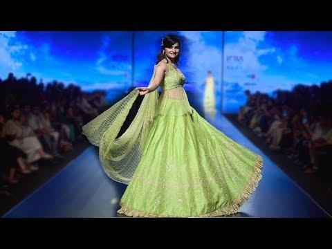 Prachi Desai Walks For Architha Narayanam | Spring/Summer 2019 | India Fashion Week