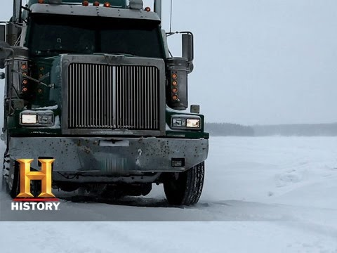 Ice Road Truckers: Darrell Hits Trouble