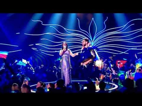 Streaker MOONING Eurovision 2017