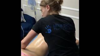 Как делать массаж спины? Видеоурок массажа мастер Марина.
