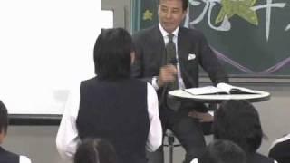 禁煙に成功した俳優の舘ひろしさんが17日、東京・文京区の村田女子高...