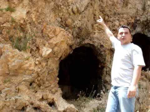 Kaya Mezarlarını Ele Veren  İşaretler