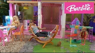 Gambar cover Barbie and Ken Homeschooling Barbie's Sister Chelsea and Recess Mini Golf in Barbie Dream House