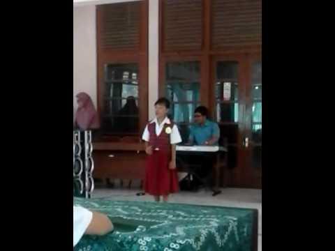 Juara II nyanyi Lenggang Padi