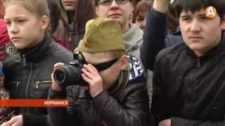 Военные вывели на Парад Победы в Мурманске С-400 «Триумф» 10.05.2016(, 2016-05-10T12:33:43.000Z)