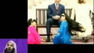Repeat youtube video Bush Watching Saudi Wahabi Girls Dance