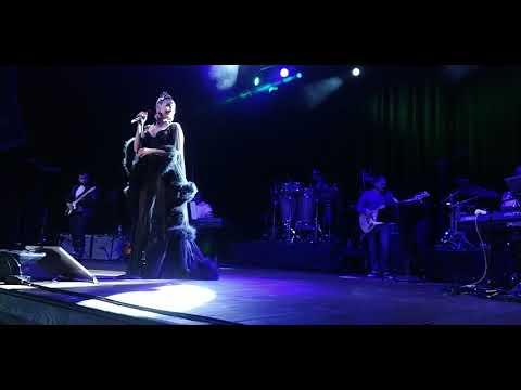 Natalia Jiménez: Quedate Con Ella - El Sol No Regresa - Me Muero Por Besarte(HOB Anaheim 12/12/2017)
