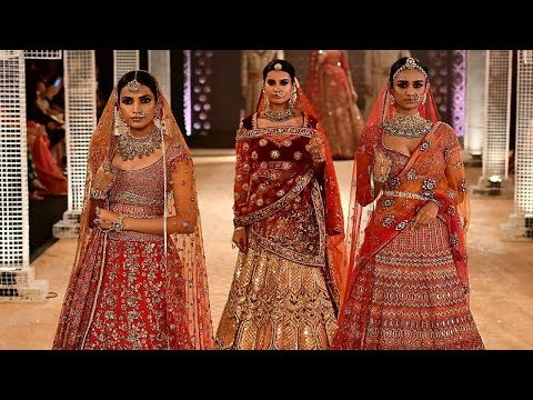 Aditi Rao Hydari Walks For Tarun Tahiliani | India Couture Week 2018
