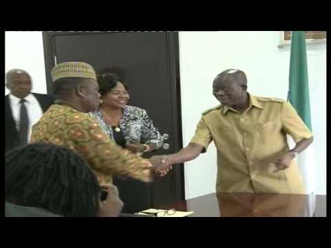 Gov. Oshiomhole Inaugurates Committees of Observer Board, Swears in One PS