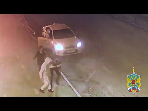 Полицейские задержали подозреваемую в грабеже