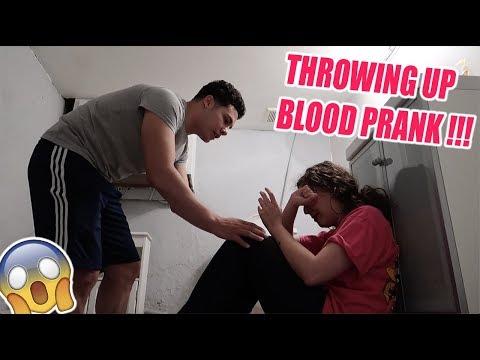 THROWING UP BLOOD PRANK ON BOYFRIEND !!! (CUTEST REACTION)