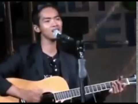 Dodit Mulyanto Stand Up Pakai Gitar