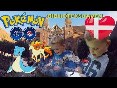 Pokemon Go i bibliotekshaven i København