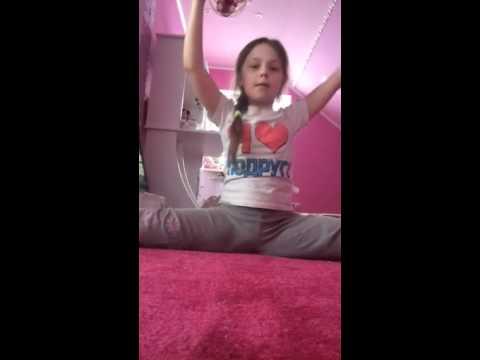 Девочка учится делать минет смотреть онлайн фото 349-613