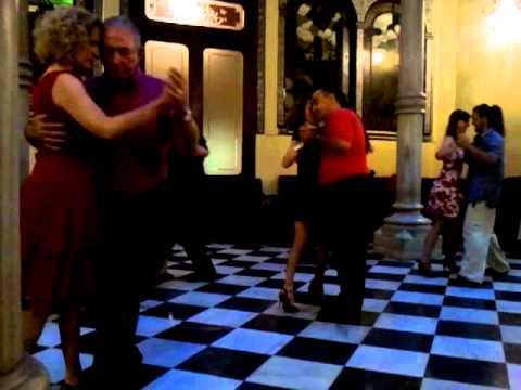 Tango Cómo nos Cambia la Vida. Milonga Cambalache en Casino de Cartagena.