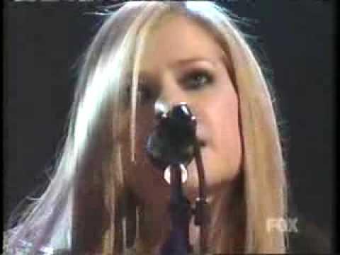 Avril Lavigne - Nobody's Home (Live - Acoustic) + Lyrics