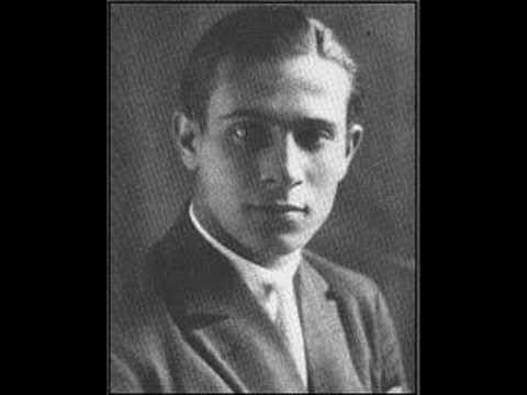 Tino Rossi - Besame Mucho, 1945