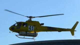Helicóptero, cargando agua en el incendio de Torrelles del Llobregat (29-7-2013)