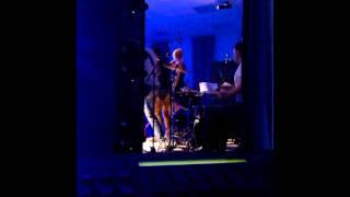Фрагмент выступления. Группа X-time Барнаул. Cover band Ivan Dorn - Bigudi
