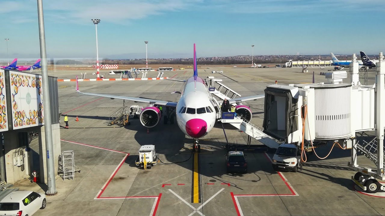 Flight report | Wizzair from Budapest to London Luton | lounge acess Airbus A321neo | trip to Russia