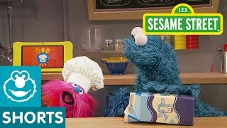 Sesame Street: Fruit Smoothies with Milk | Cookie Monster's Foodie Truck