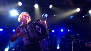 """""""Hoedown/Emerson Lake&Palmer"""" Playing in the Accordion back to the ..."""