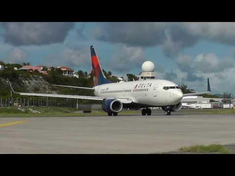 St. Maarten Airport SXM Planes