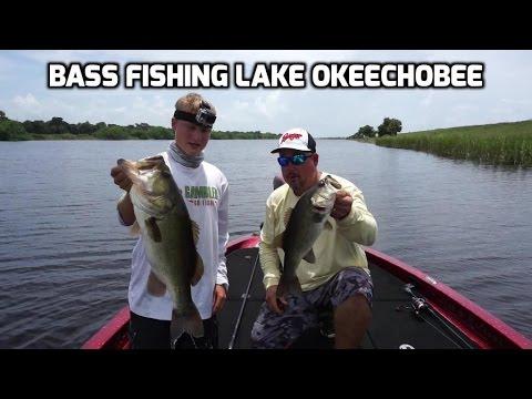 Bass fishing lake okeechobee flipping jigging and for Bass fishing youtube