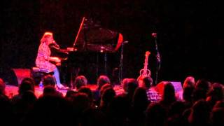 Iris Dement - Leaning On The Everlasting Arms