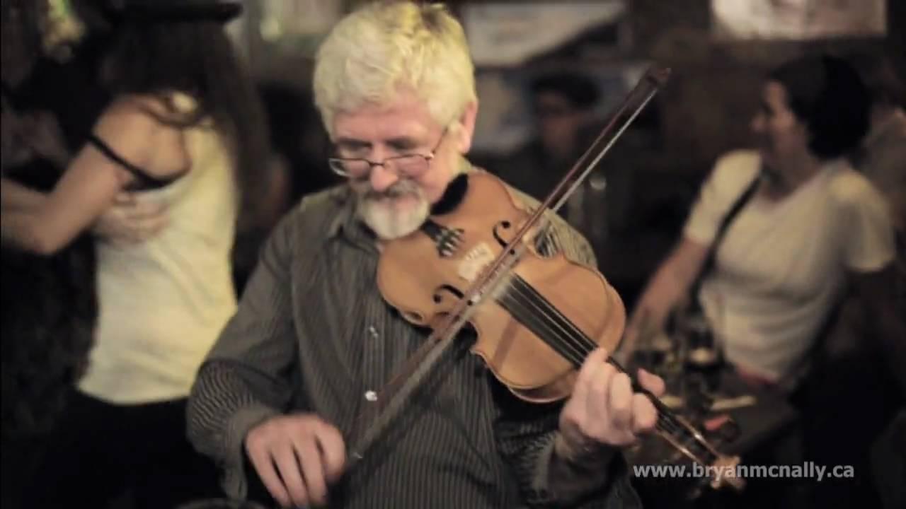 Traditional Irish Music - Brogan's Bar - Ennis, Ireland