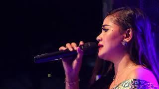 Download HENTIKAN TANGISMU SELLY PRAWOTO TRIAS MUSIC NGABLAK PATI Mp3