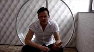 Jasper Buckingham's Perfume Review of Creed - Love in White