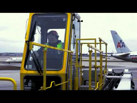 How Does De-icing Work? Behind The Scenes @AmericanAir