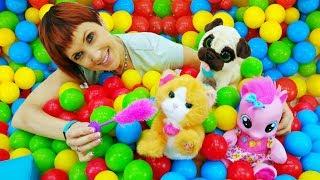 ДЕТСКИЙ САД #КапукиКануки: 👶 Играем с Пинки Пай и мягкими игрушками 🐼 Видео для детей