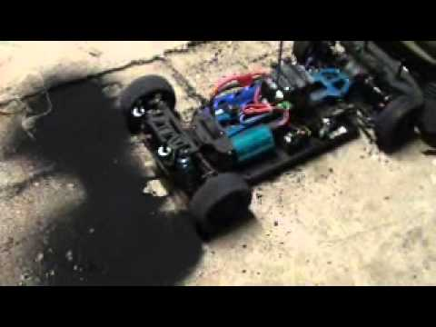 Extreem R/C car big burnout - YouTube UR-39