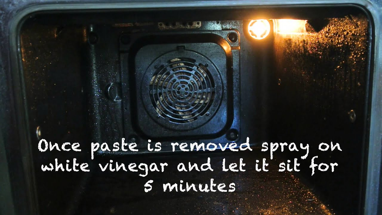 Pinterest| Oven Cleaning with Natural Products (Baking Soda, White Vinegar)