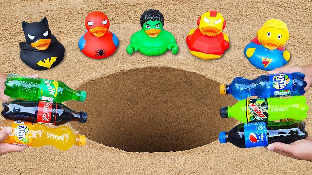Rubber Ducks Batman, Superman, Hulk, Spiderman vs Pepsi, Mtn Dew, Fanta, Sprite, Cola vs Mentos