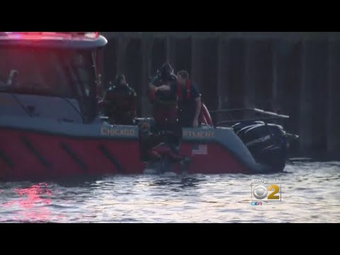 Chicago Firefighter Injured In Chicago River