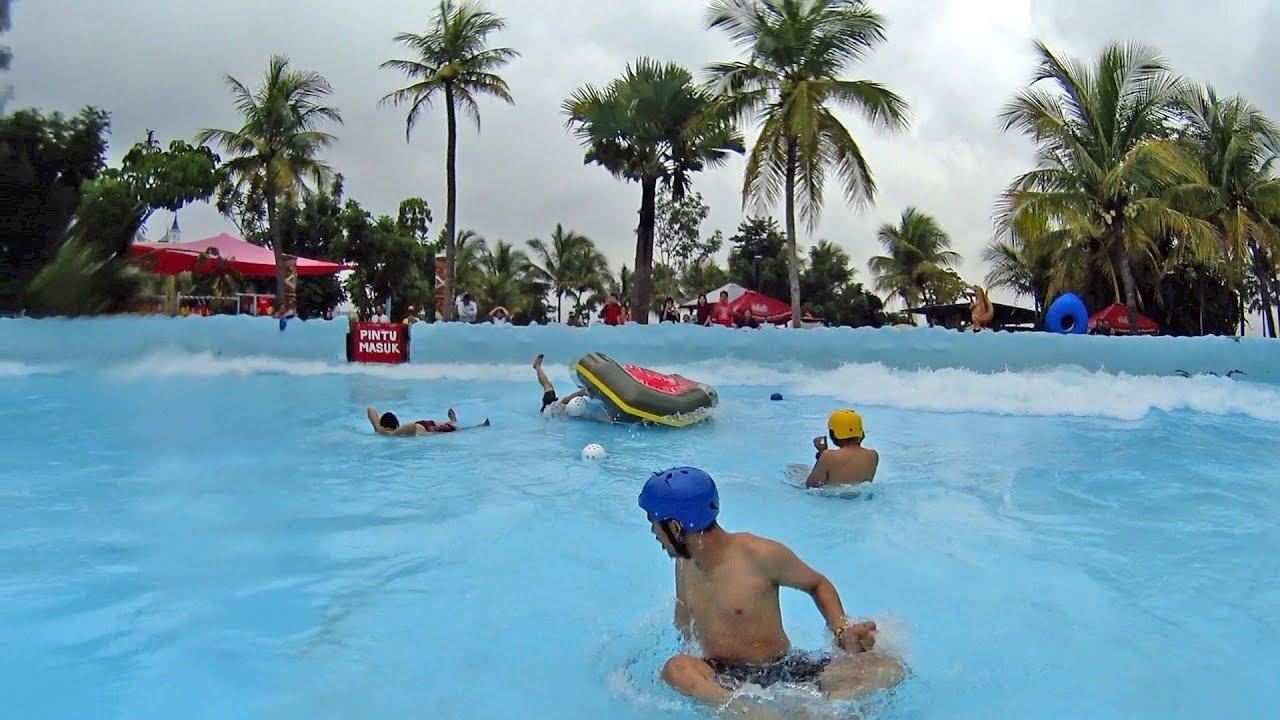Crushing On The Tsunami Raft Ride At Hawai Water Park Malang Youtube