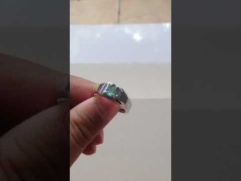 Natural Emerald Treatment F1 - minor oiling Colombia