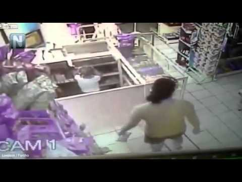 Download Shocking moment mother teaches four year old daughter to steal