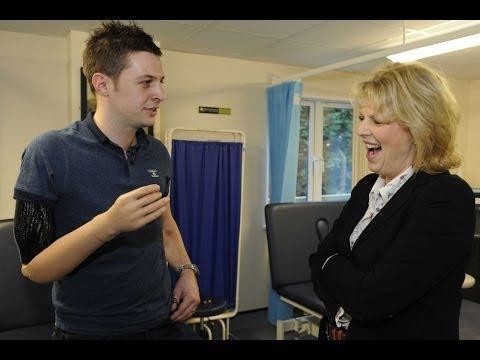 War Hero Receives UK's First Mind-Controlled 'Robot' Arm 11.12.13