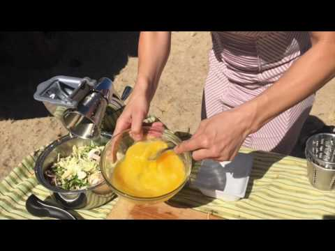 SOLAR KITCHEN: NELLY FRITADDA AND FRUITY OATMEAL