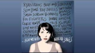 Norah Jones - Baby It's Cold Outside - Willie Nelson